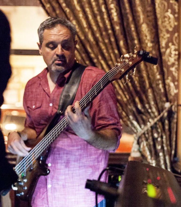 soulinfusionmusic-victor-sargisian-bass
